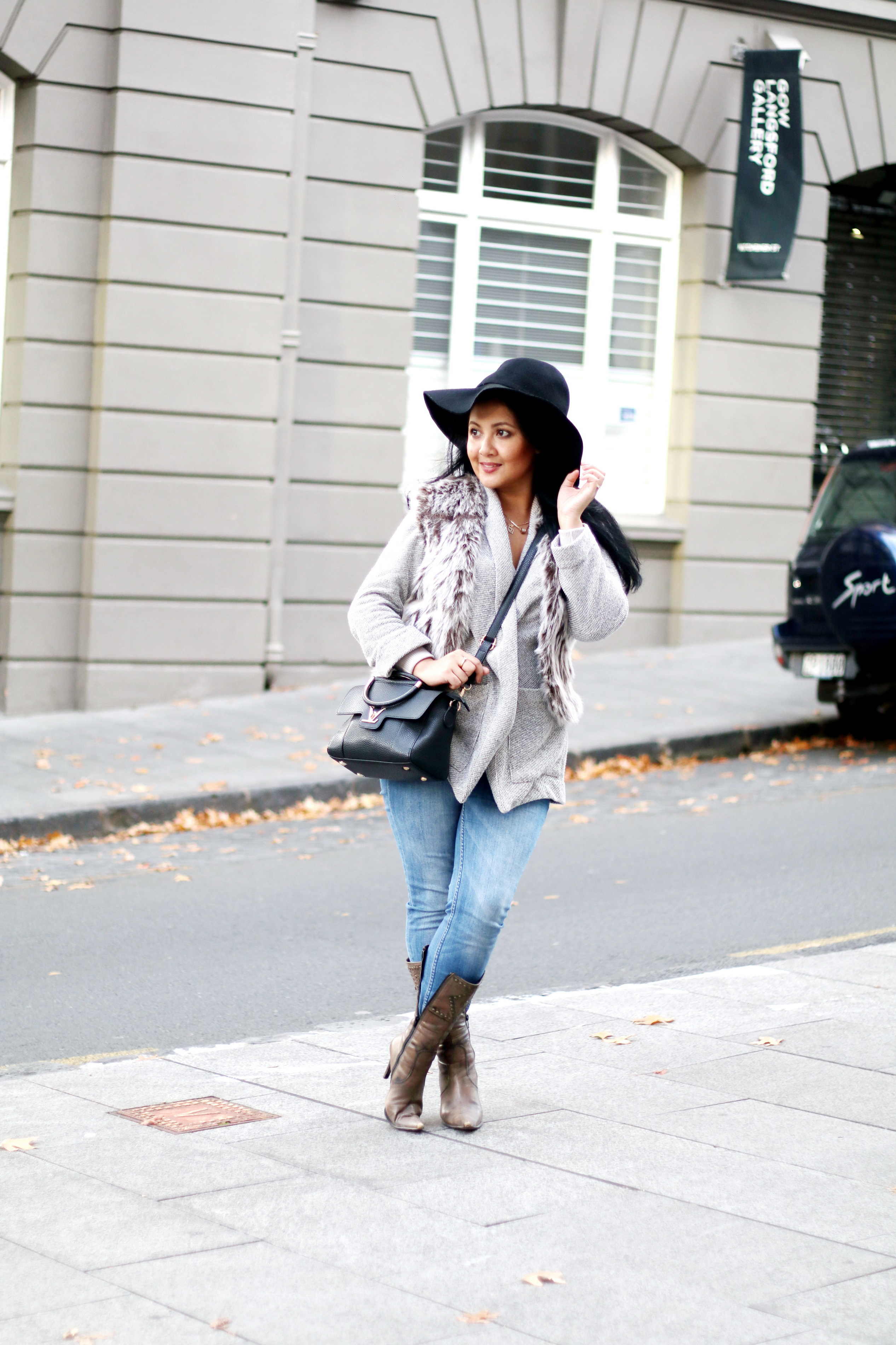 Paris Chic Style How To Wear A Faux Fur Vest Parisian Chic Style Everyday Fashion Streetstyle 10_resize