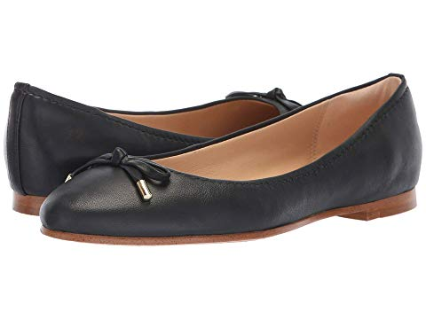 What Color Shoes To Wear With A Red Dress Black Shoes With A Red Dress Clarks Grace Lily Paris Chic Style 8