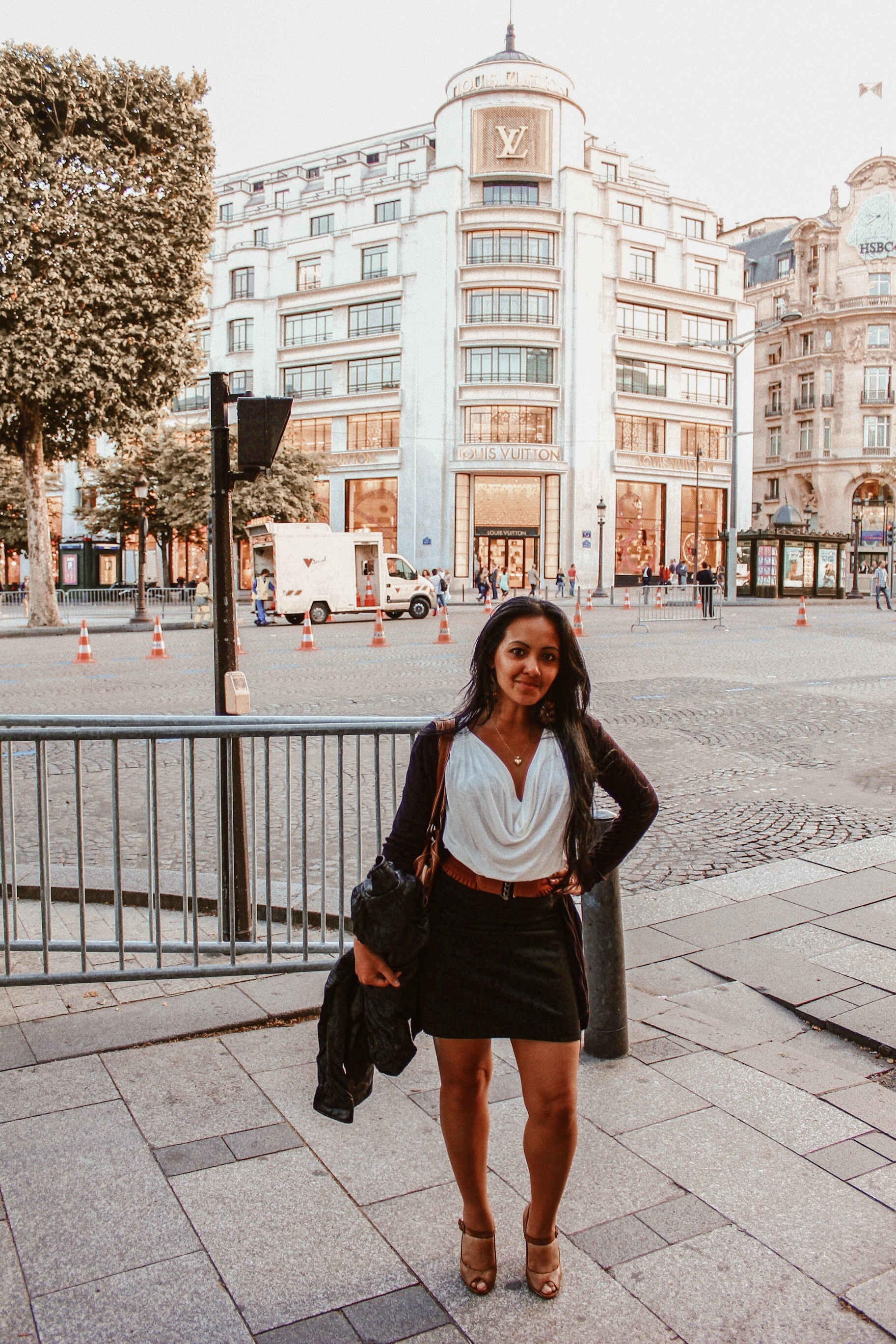 Marjolyn Lago Marj 3 to 4 days in Paris Itinerary Best Things To Do In Paris Chic Style Fashion Travel Blog Champs Elysees