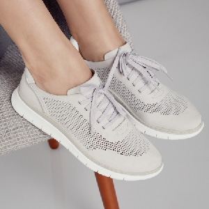 Best travel sneakers for women most comfortable shoes for women stylish sneakers Paris Chic Style Vionic