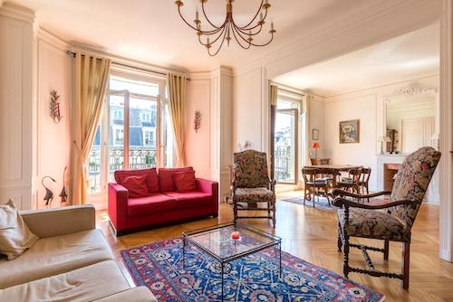 Best Hotel In Paris Near The Eiffel Tower Apartment In Paris With A Balcony For Rent Paris Chic Style