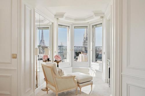 Affordable Luxurious Hotel In Paris With Eiffel Tower View Balcony Four Seasons Hotel George V Paris Chic Style